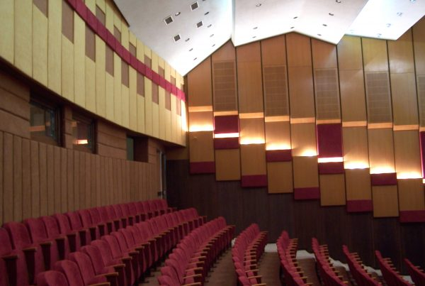 Jókaiho divadlo v Komárne
