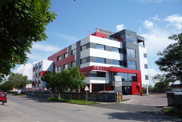 Administratívna budova Central v Komárne